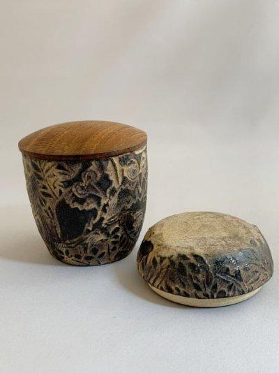 画像1: 茶器 フクロウ(木のふた付)