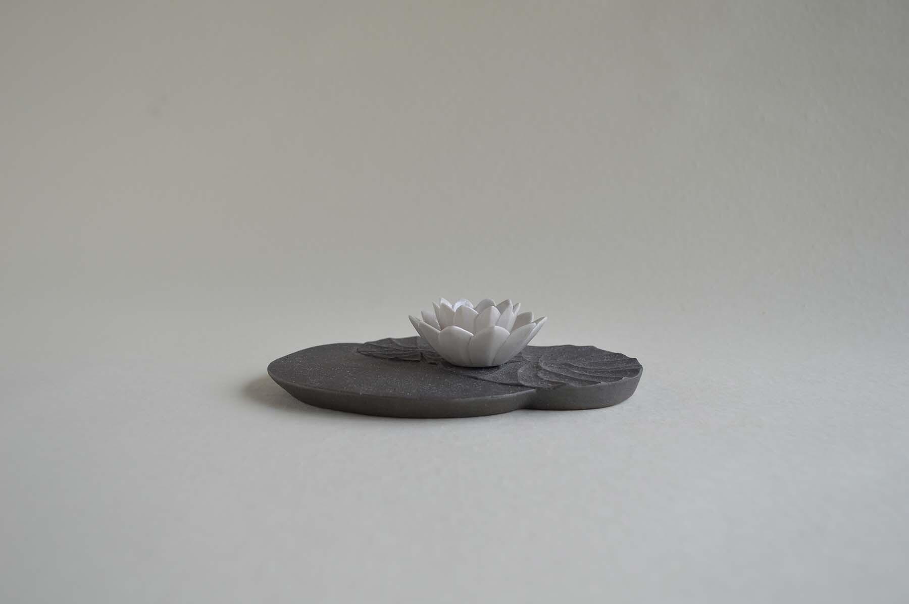 画像1: 香皿「睡蓮」 (1)